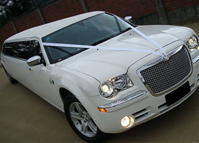 Chrysler 300C Stretch - Limo Hire Sydney
